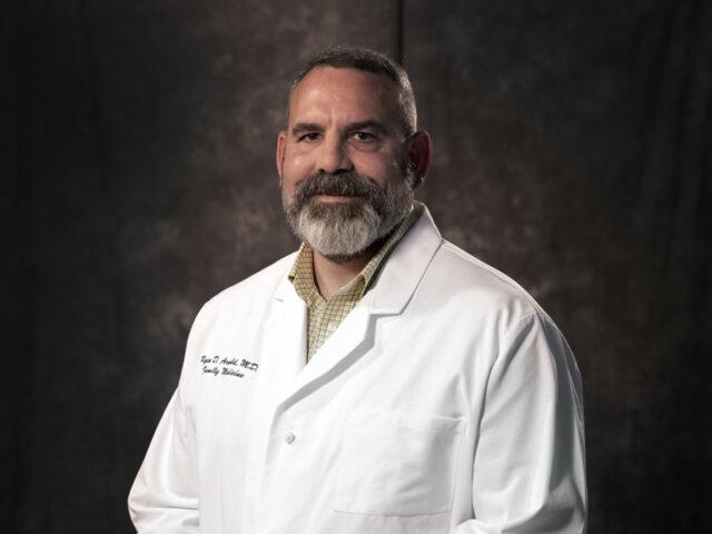 21 Dr  Ryan Arnold